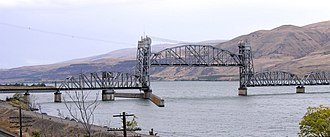 Oregon Trunk Rail Bridge - View from the southeast, showing both the original swing span (at left) and the vertical-lift span added in 1957