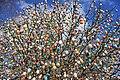 Ostereierbaum, mit 10.000 Eiern geschmückt IMG 9634WI.jpg
