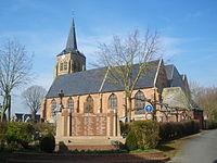 Oudezeele - Monument aux morts et église.JPG