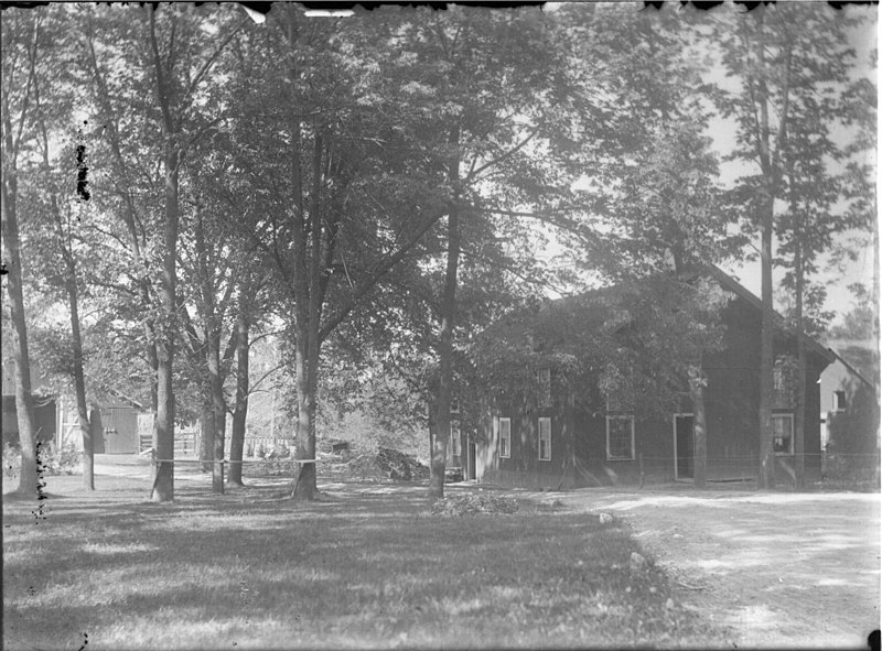 File:Outbuildings at Oxford Retreat n.d. (3192584334).jpg