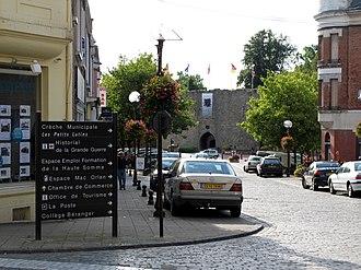 Péronne, Somme - Rue Louis XI