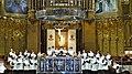 P1110074 Montserrat, Basilica Santa Maria de Montserrat, lEscolania de la basilique, la manécanterie de labbaye chantant le « Salve Regina » tous les jours, à 13h00 (6351440208).jpg