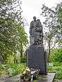 P1620076 Братська могила.jpg