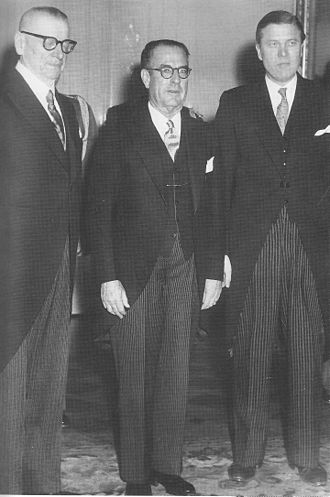 John D. Hickerson - Hickerson during his time as United States Ambassador to Finland, pictured with President of Finland Juho Kusti Paasikivi (left) and Finnish foreign minister Johannes Virolainen (right).