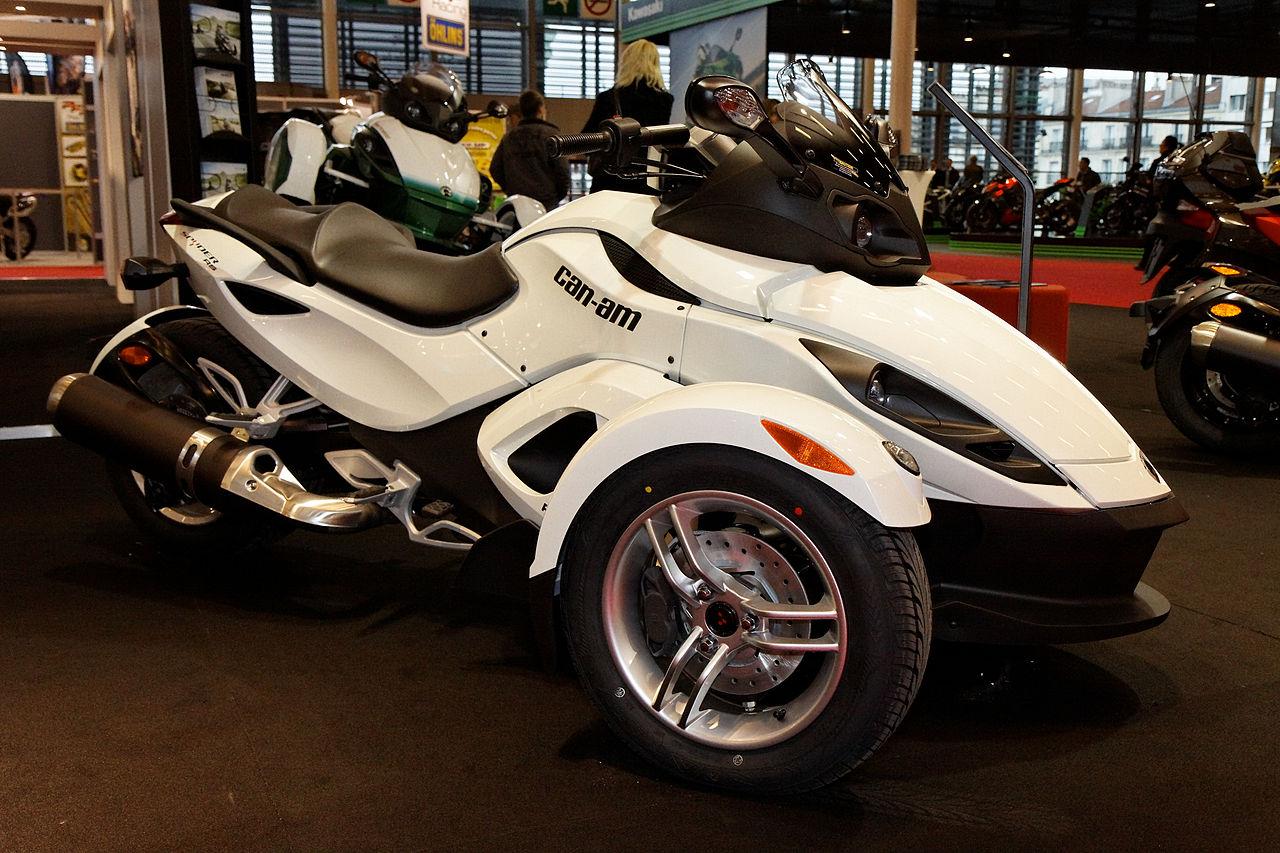 file paris salon de la moto 2011 can am spyder rs. Black Bedroom Furniture Sets. Home Design Ideas