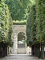 Paris 75001 Jardin des Tuileries - reconstruction arcades du palais.jpg