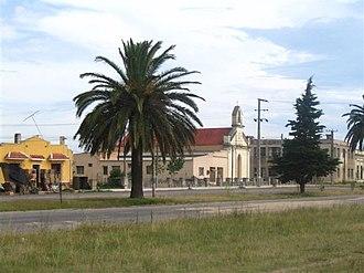Cerro Chato - Image: Parroquia Sagrado Corazón y Club Democrático