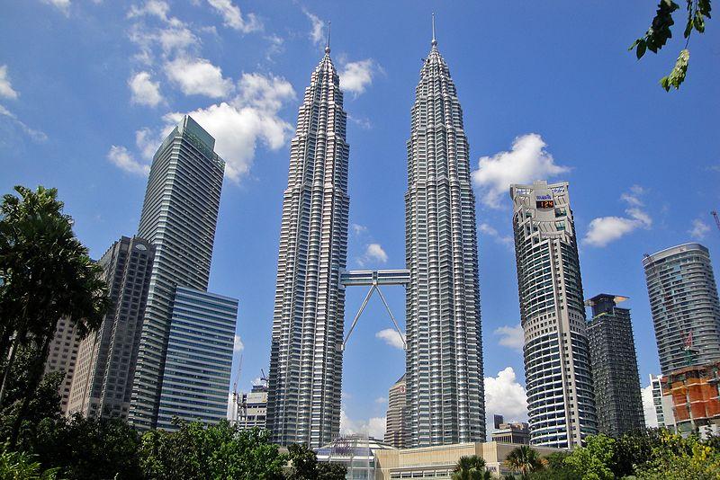 Petronas Towers (452 Meter) (28997168292).jpg