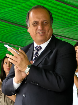 Luiz Fernando Pezão - Image: Pezão 2011