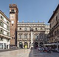 Piazza delle Erbe - Palazzo Maffei (Verona).jpg