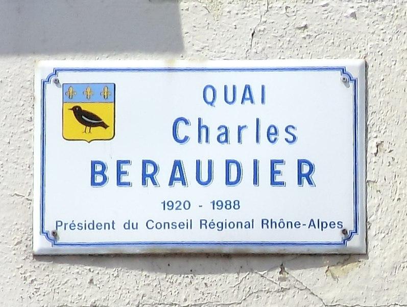 Plaque quai Charles-Béraudier à Saint-Rambert-en-Bugey.