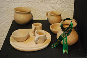 Traditional Mexican handcrafted toys - Miniature clay dishes