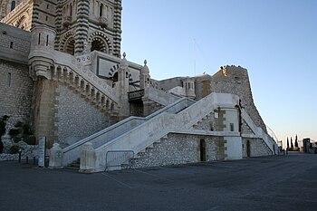 Pont-levis de Notre-Dame de la Garde à Marseille