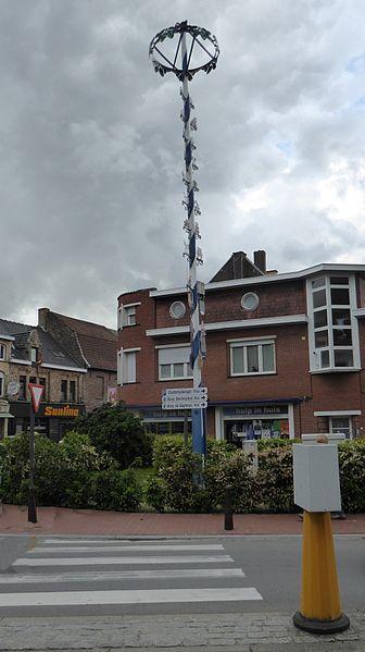 Maypole, signe d'amitié entre Wolnzach, et Poperinge, Province de Flandre-Occidentale Belgique