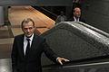 """Premier udaje się na konferencję prasową na stacji metra """"Młociny"""" (6163017467).jpg"""