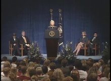 Dosya:President Clinton's Remarks to the Columbine High School Community.webm