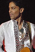 Prinz spielt Gitarre