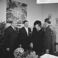 Prinses Beatrix en Claus bezoeken Hitzacker, prinses Beatrix en Claus in stadhui, Bestanddeelnr 918-2559.jpg