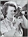 Prinses Beatrix filmt tijdens de Olympische Spelen in Tokio, Bestanddeelnr 002-0086.jpg
