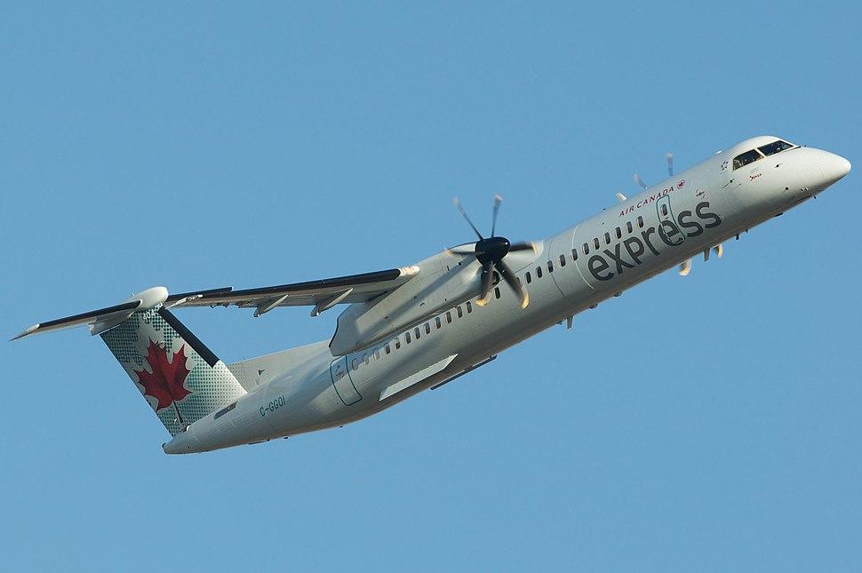 Q400 departure (6974299185)