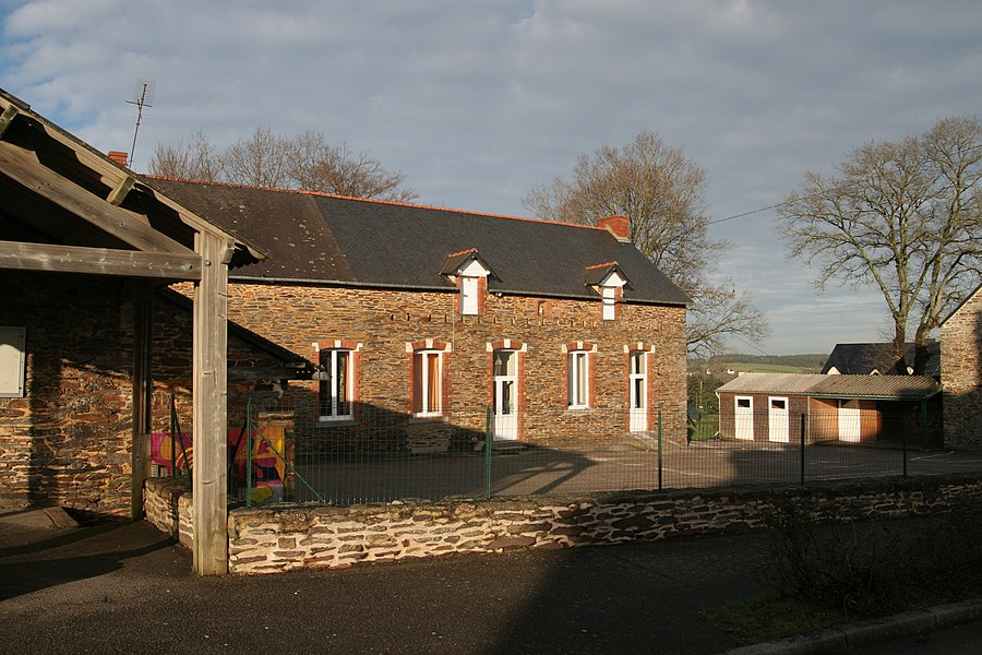 École primaire privée de Quelneuc.