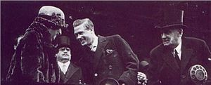 Argentina–United Kingdom relations - President Marcelo Torcuato de Alvear and the First Lady Regina Pacini with the Prince of Wales and later King Edward VIII of the United Kingdom in Mar del Plata, 1925.