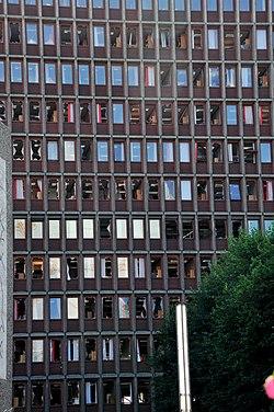 Regjeringsbygget 29 juli 2011 web.jpg