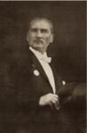 Reisicumhur Mustafa Kemal Cumhuriyet Bayramı kutlamalarında, Ankara, 29 Ekim 1925.png
