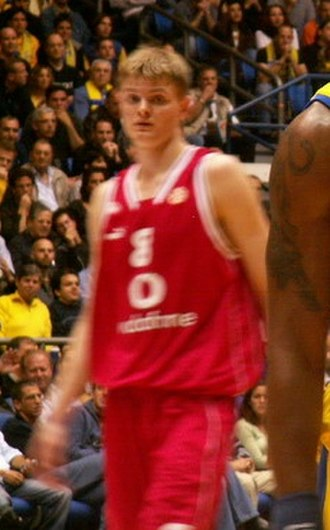 Renaldas Seibutis - Seibutis with the Olympiacos Piraeus.