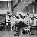 Repetitie Nationaal Ballet Sonia Gaskell geeft aanwijzingen Naast haar balllet, Bestanddeelnr 913-1508.jpg