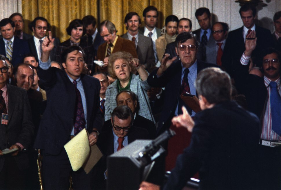 Richard M. Nixon press conference - NARA - 194551