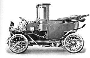 Rolls-Royce V-8 (1905) - The V-8 with Landaulet par Excellence body