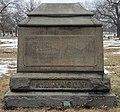 Roswell B. Mason's grave at Rosehill Cemetery, Chicago.jpg
