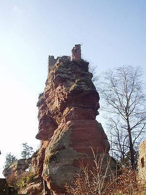 Château de Lutzelhardt - Port of the château's ruins