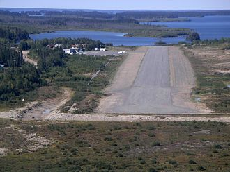 Red Sucker Lake Airport - Runway 26 (now 27), short final