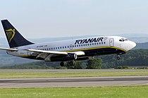 Ryanair.b737-200.ei-cnv.bristol.arp.jpg