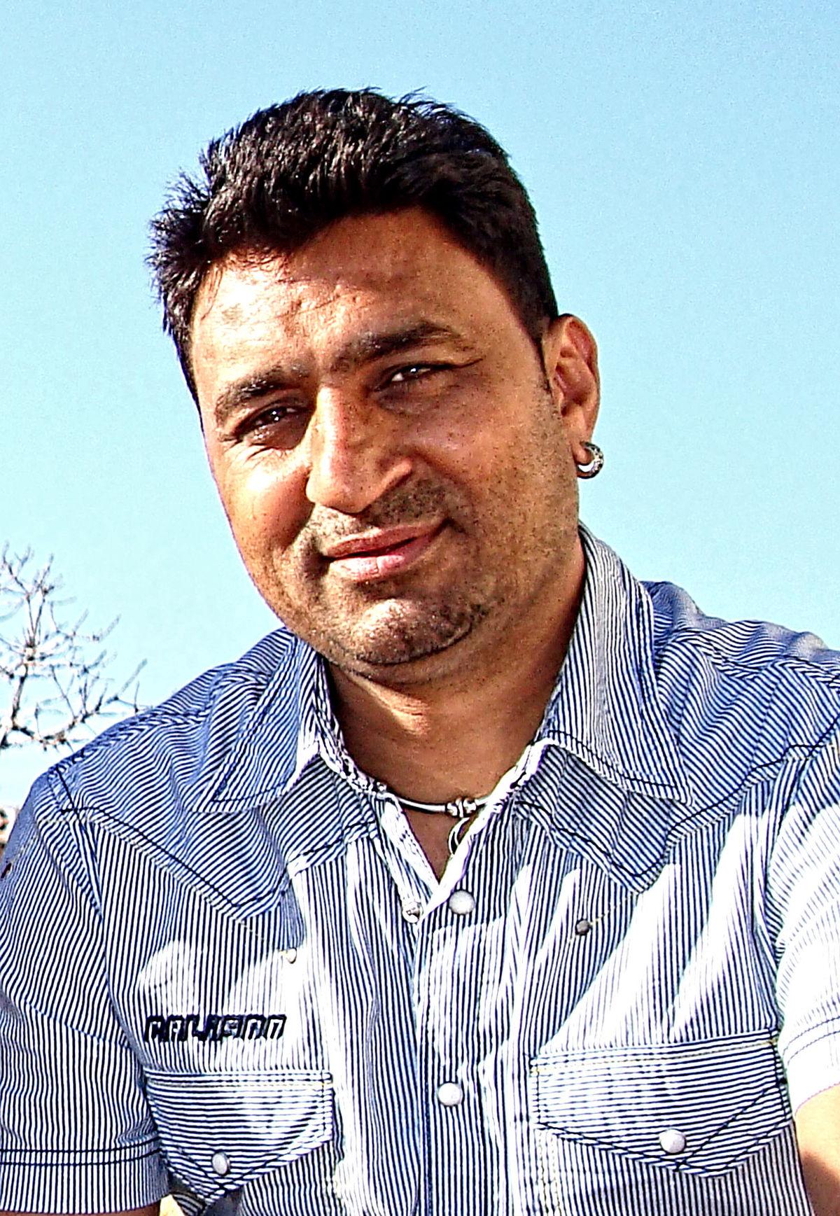 Sukhwinder Panchhi - Wikipedia