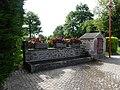 Saint-Marc-à-Frongier fontaine abreuvoir.jpg