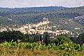 Saint-Saturnin d'Apt dominant son vignoble AOC Ventoux.jpg