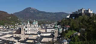 Salzburg Altstadt Panorama 20170409 02.jpg