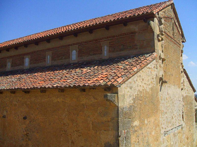 San Miguel de Escalada - Monasterio 1.JPG