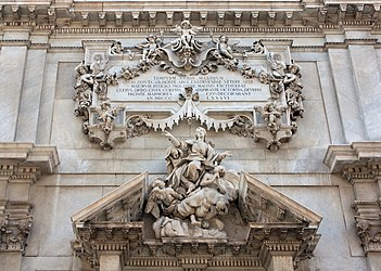Savona Cathedral center pediment cropped.jpg