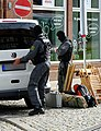 Scharfschützen in Erfurt Verladen der Ausrüstung Papstbesuch.jpg