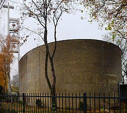 St.-Ansgar-Kirche gemauerte Seite.JPG