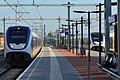 Station Houten Castellum met aankomende en vertrekkende SLT.JPG