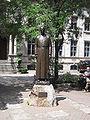 Statue Place Frère André.jpg