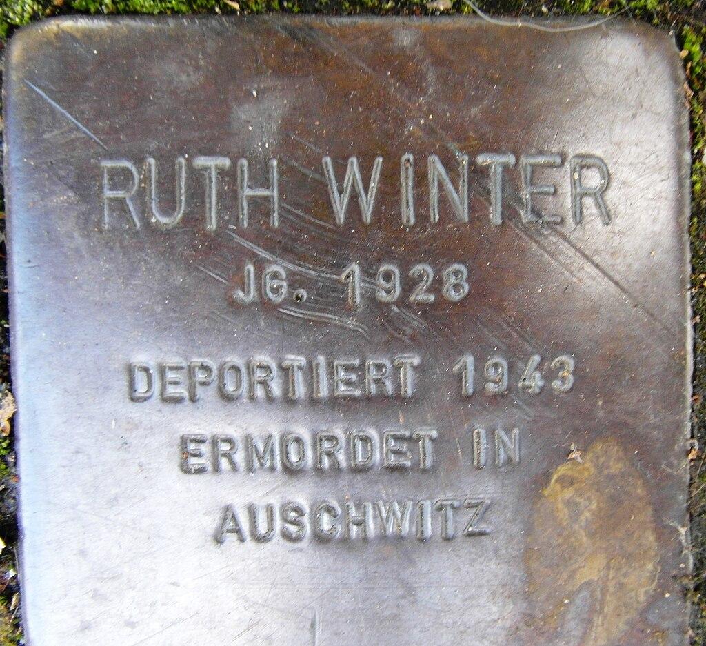 Stolperstein Ruth Winter Lennestadt-Altenhundem.jpg