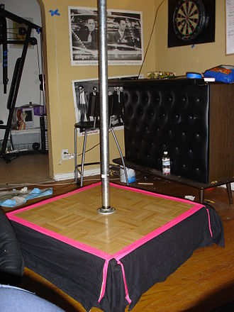 Pole dance - A home version stage pole