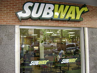Subway (restaurant) - Subway in Belo Horizonte, Brazil. (2009)