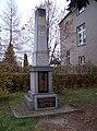 Týneček, Blodkovo náměstí, pomník (01).jpg